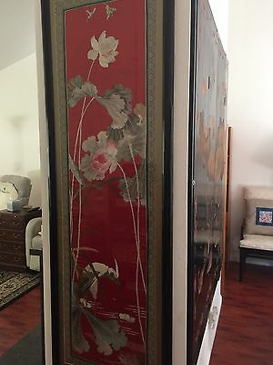 chinese antique Silk Picture In A Glass Frame