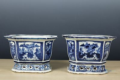 Fine Chinese beautiful A pair Blue and white Porcelain flower pot