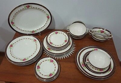 Alfred Meakin 6 person Dinner Service