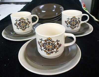 Vintage Johnson 'Rondelay' Part dinner set - 12 pieces - perfect condition