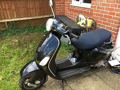 vespa lx50 with only 7500 miles 2006 model. Black Bedroom Furniture Sets. Home Design Ideas