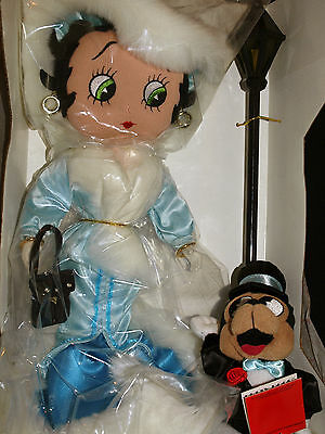 Limited Edition Betty Boop Doll and Bimbo the Dog STEPPIN' OUT with street lamp