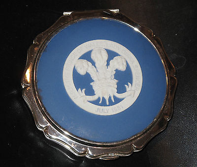 Ltd Edition. Stratton Wedgewood Royal Blue Jasper Prince of Wales 1981 Compact