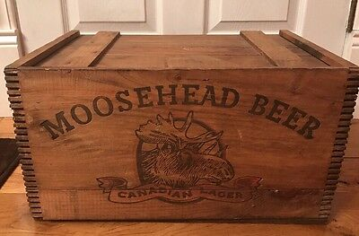 Vintage Moosehead Beer Wooden DOVETAILED WOOD CRATE/BOX---Canadian Lager