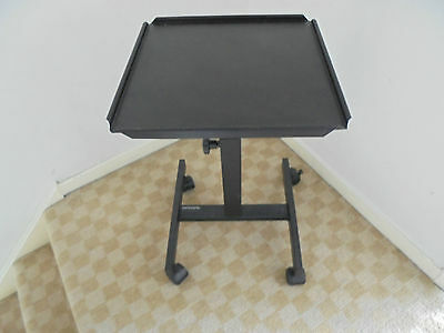 Celexon mobile adjustable projector stand