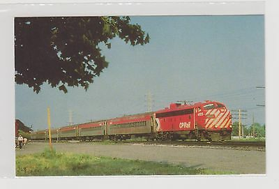 CANADIAN  PACIFIC    Commuter train at Beaconsfield, Quebec