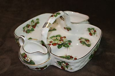English Hammersley 3 Piece Berry Set Bone China Strawberry Ripe Pattern mint.