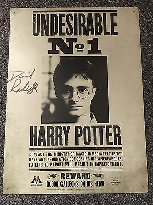 Signed harry potter wanted Sign *DanielRadcliffe* + COA