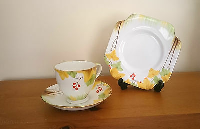 Beautiful Art Deco Royal Grafton Hand Painted Cup Sauce And Side Plate Trio