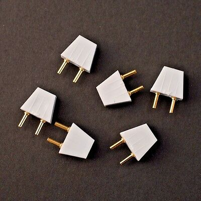 Dolls house Plugs, Pack of 6 DE054