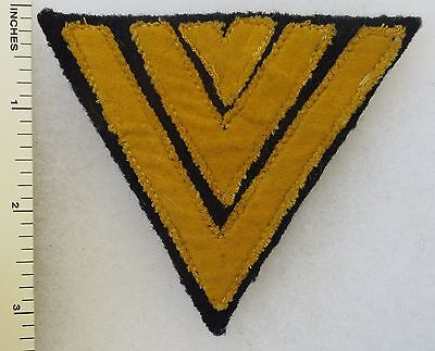 ORIGINAL WW2 Vintage GERMAN NAVY KRIEGSMARINE SENIOR RANK CHEVRON PATCH on BLUE