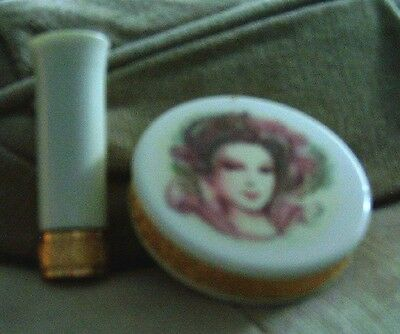 Gracious Lady Compact w-Mirror and Matching Lipstick - Collector's Item