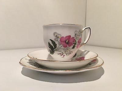 Vintage Duchess Pink Floral Flowers Bone China England 749 Trio
