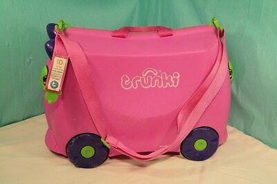Trunki Trixie Pink Case & Towing Strap & Lock