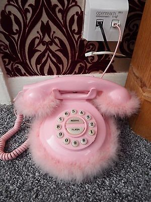 Fluffy Pink Retro telephone Working