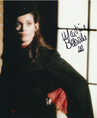 Martine Beswick In Person Signed Photo - Dr Jekyll & Sister Hyde - AG467