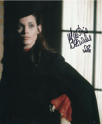Martine Beswick In Person Signed Photo - Dr Jekyll & Sister Hyde - AG485