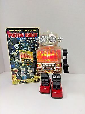 Rare Piston Robot Battery Operated S.J.M. Toys SJM-3007 Taiwan 1970's w/ Box
