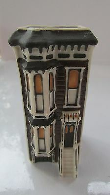 Victorian Row House-San Francisco /Ceramic/Hand Painted Artist Signed   eh1