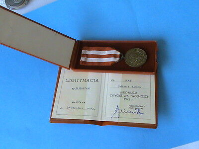 Polish MEDAL FOR VICTORY AND FREEDOM 1945-DOC+ BOX- ORIGINAL !!!