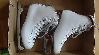 Jackson Mystique  Ice Skating Boots size 3 C (would fit size 2.5) RRP £89