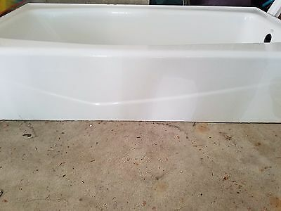 kohler cast iron tub 30 x 60 white. Right hand local pick up