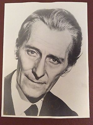 Peter Cushing  -  hand signed 8x10 autograph photo