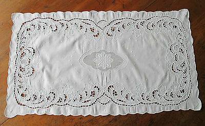DOILEY Lrg rectangle COTTON Cutwork White on White Emb Vintage DOILIE DOILY Chic