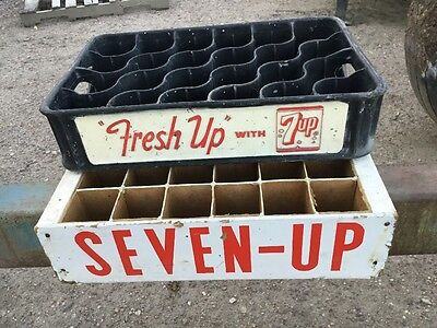 Vintage Pair SEVEN-UP Fresh-Up With 7-up Soda bottle carrier Crates Advertising