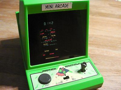 """Table top Romtec  Mini arcade """" Prince Grenouille """" game watch 1983"""