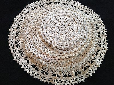 19 Pcs Vintage Crochet Doily Table Mat 1 Large 6 Med 6 Sm 6 Coasters Matching