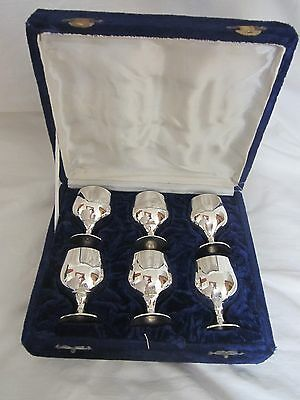 VINTAGE 6 SILVER PLATED LIQUEUR GOBLETS IN VELVET BOX Made in India Height 6.5cm