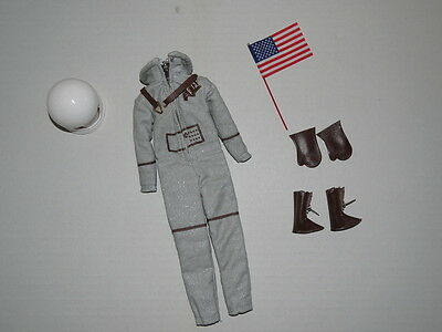 Barbie Collector Reproduction Fashion MISS ASTRONAUT Complete MINT