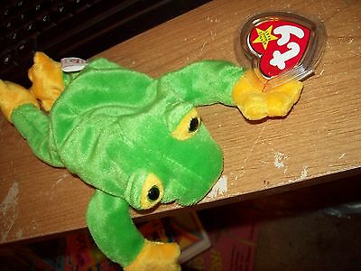 Ty Beanie Babies Collection  Smoochy The Frog Dateof Birth 10-01-1997 Retired