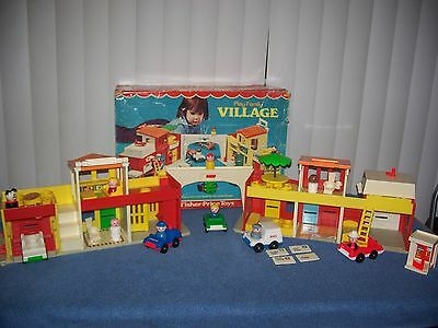 Vintage Fisher Price Little People #997 Play Family Village w/ Box