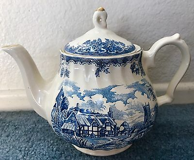 Churchill Vintage Blue Willow Tea Pot Made In Romania.