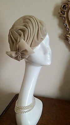 Vintage Beige Pleated Art Deco Turban Hat With Bow Made in Britain NWOT