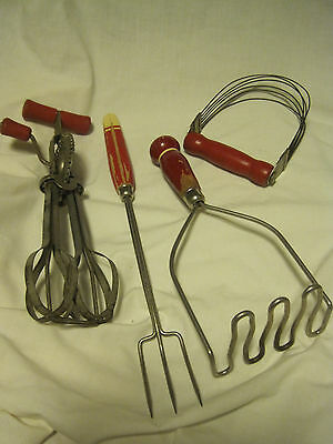 Vtg LOT OF 4 RED WOODEN HANDLE KITCHEN UTENSILS-Androck Pastry Cutter/FORK/BEATE