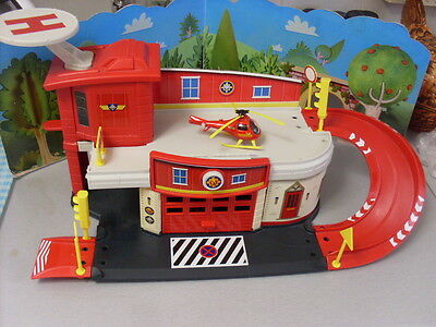 Fireman Sam  Rescue Centre For The Die Cast Series With Helicopter