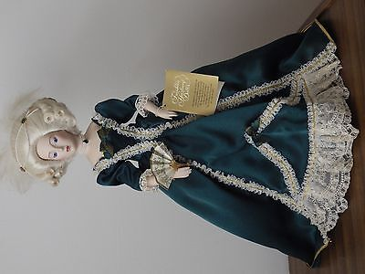 Marie-Antoinette -porcelain & cloth doll by Franklin Mint