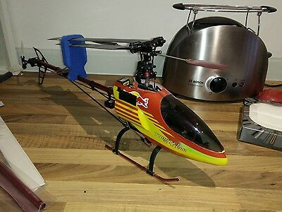 Twister 3D Storm 6 channel RC helicopter + £30 spares +training undercarriage