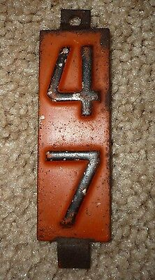 1 Vintage 1947 Wisconsin Auto License Plate Metal Expiration Date Year Tag, Tab