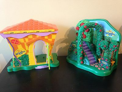 The WIGGLES PLAYSETS Playhouse & Dorothy Garden w/ batteries Lot of 2
