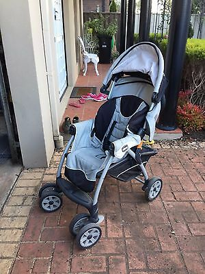 Chicco stroller and car seat cortina travel system