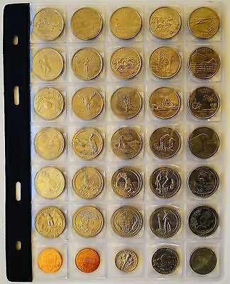USA, American Coins, Quarter Dollar Coins of various states in collectors pocket
