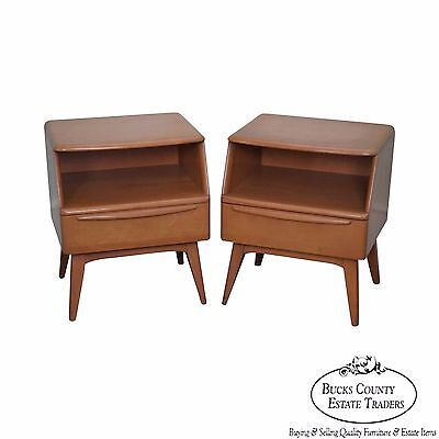 Heywood Wakefield Champagne Mid Century Modern Maple Pair of Nightstands (B)