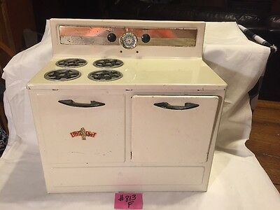 LITTLE CHEF 1950s Metal Toy Stove - Non-Electric CUTE ! Great For Decor!