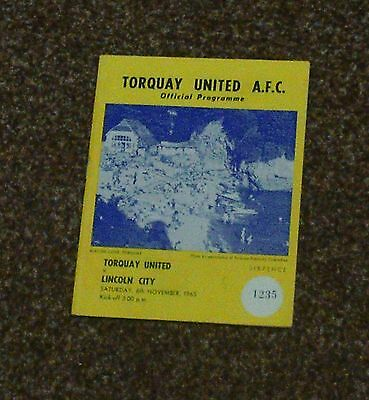 FOOTBALL PROGRAMMES- TORQUAY v LINCOLN (Division Four 6th November 1965)