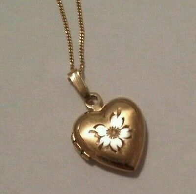 """9ct Gold locket and 18""""  beautiful chain"""