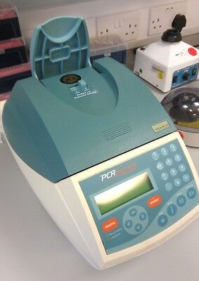 HYBAID GRADIENT PCR EXPRESS HBPX220 Thermal Cycler